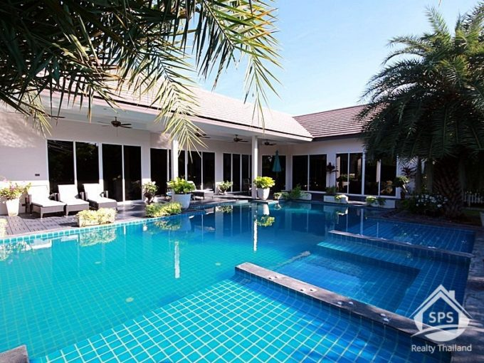 Hua Hin Real Estate Luxury 3 Bed Private Pool Villa