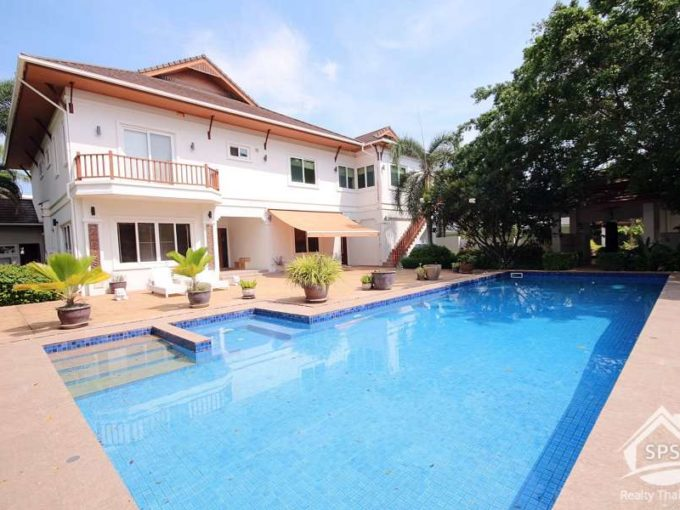 Hua Hin Real Estate Two story luxury private pool villa