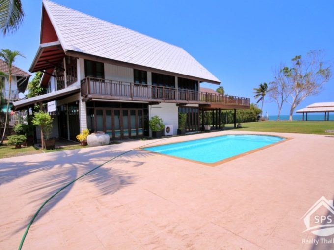 Hua Hin Real Estate Beachfront Villa