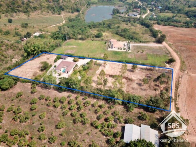 Hua Hin Real Estate Private House on Big Land Plot For Sale
