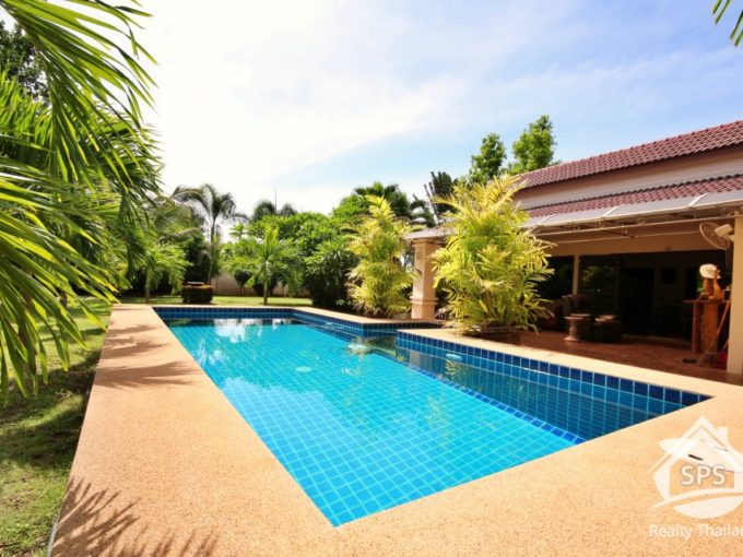 Hua Hin Real Estate Bali Style Pool Villa