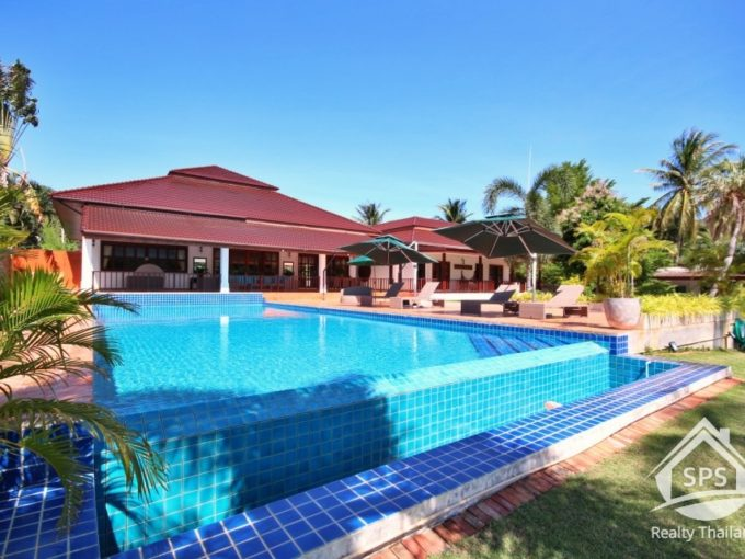 Hua Hin Real Estate Exquisite Palm Hills Golf Club Lakefront Pool Villa