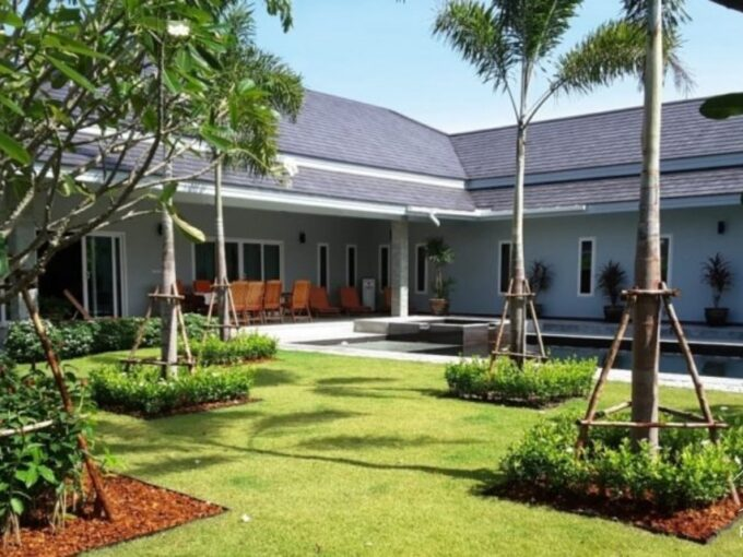 Hua Hin Real Estate Palm Villas