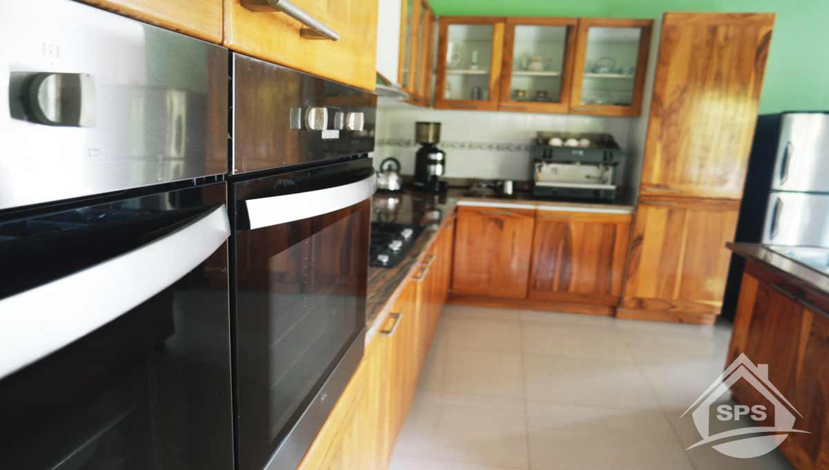 investment-opportunity-real-estate-kitchen2
