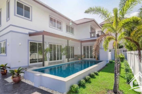 Hua Hin Real Estate 4 Bed Pool Villa in Hua Hin for Rent