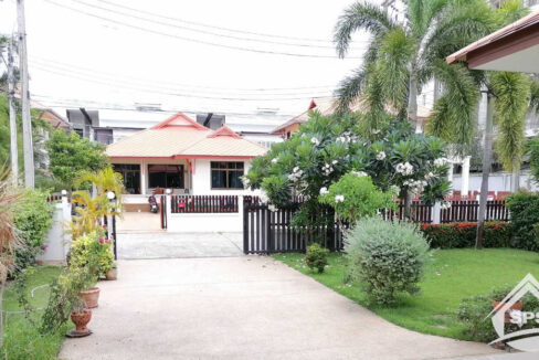 4-image-Houes for sale at Kao Takiab -house-for-sale