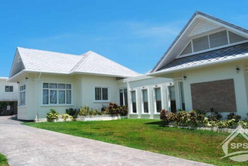 Hua Hin Real Estate Khao Takiab Pool Villa for Sale